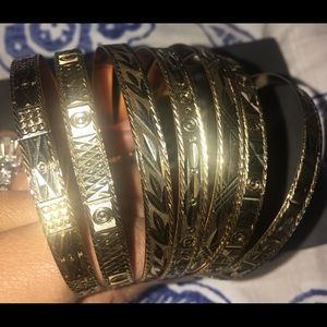 18k solid yellow gold 7 days bangles set.